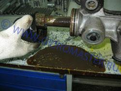 Рульова рейка до ремонту текла і стукала